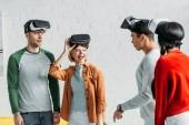 többnemzetiségű meg, amivel a virtuális valóság fejhallgatók