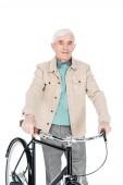 s úsměvem odešel muž, který držel kolo izolované na bílém
