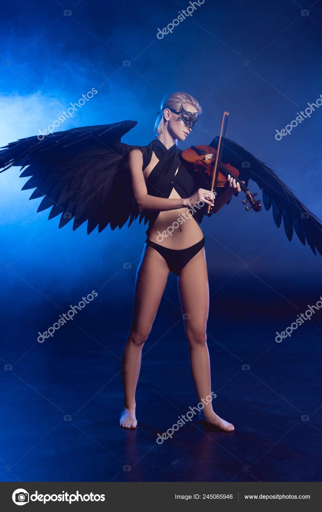 μαύρο έφηβος μαύρο πουλί μαύρη χήρα πορνό cosplay