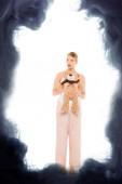 Mädchen im Schlafanzug mit Teddybär mit schwarze Wolke illustration