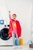 gyermek állandó, a házi piros csillag jel, és bemutatja a mosodában ünnepli