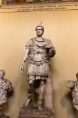 Řím, Itálie-28. červen 2019: starověké římské sochy v muzeu