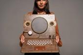 nyírt kilátás nő mutatja Steampunk laptop izolált szürke