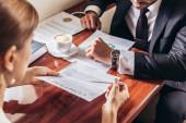 vágott kilátás üzletasszony bemutató szerződés üzletember magángépen