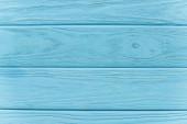 Fotografie vrchní pohled na dřevěné modré pozadí
