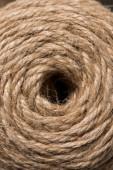Fotografia immagine di telaio completo del cerchio fatto da sfondo beige stringa