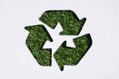 Recycle jel a fű patern elszigetelt fehér felső nézetében