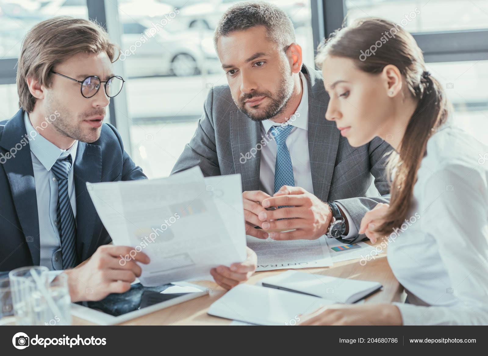 Resultado de imagen para people doing business