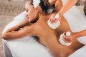 krásná žena léčeni na masážní salon