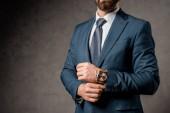 vágott kilátás üzletember fejrevalók óra kéznél