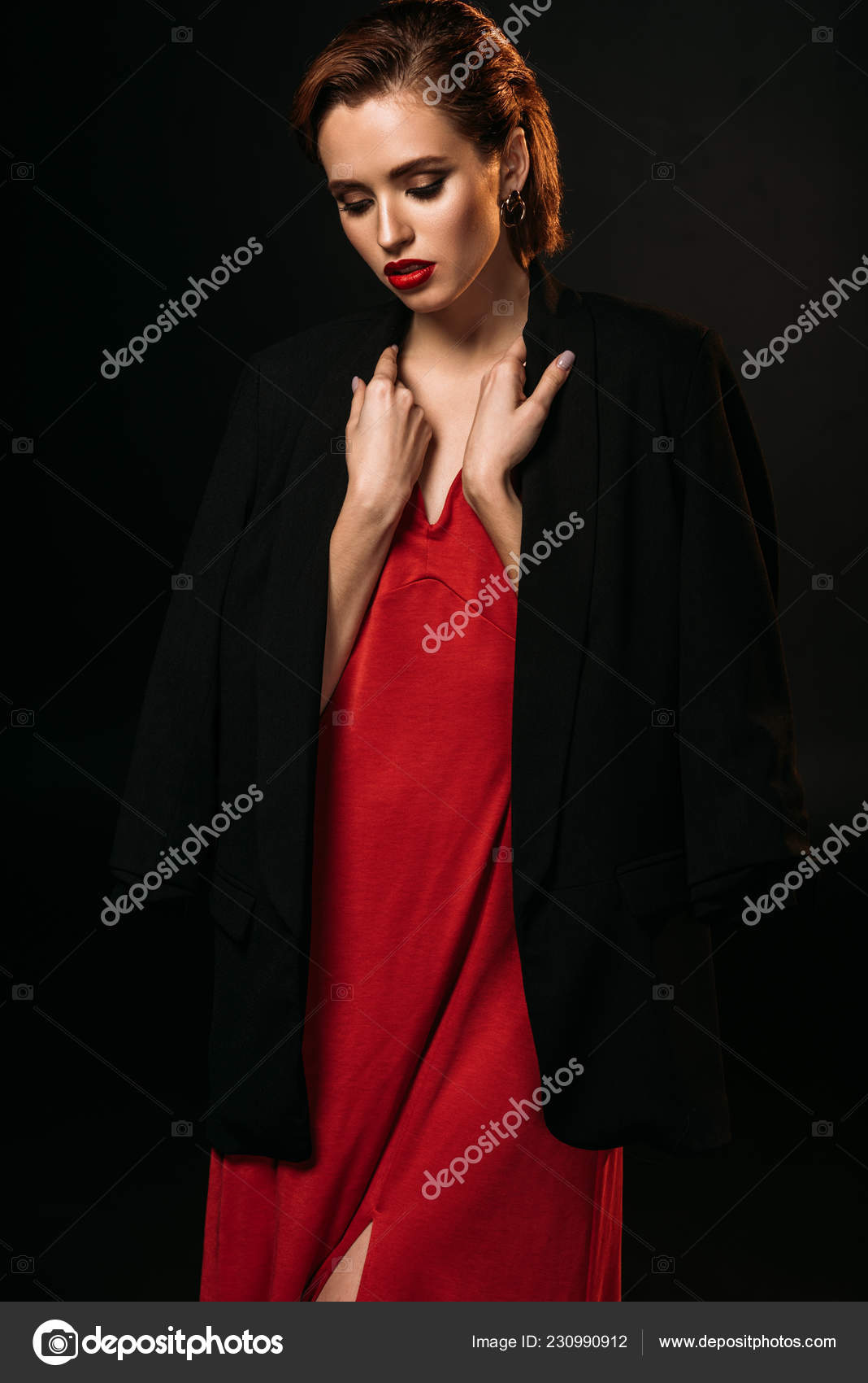 Negra Chaqueta Chica Vestido Atractiva Negro Aislado Mirando Rojo dtRItxqw