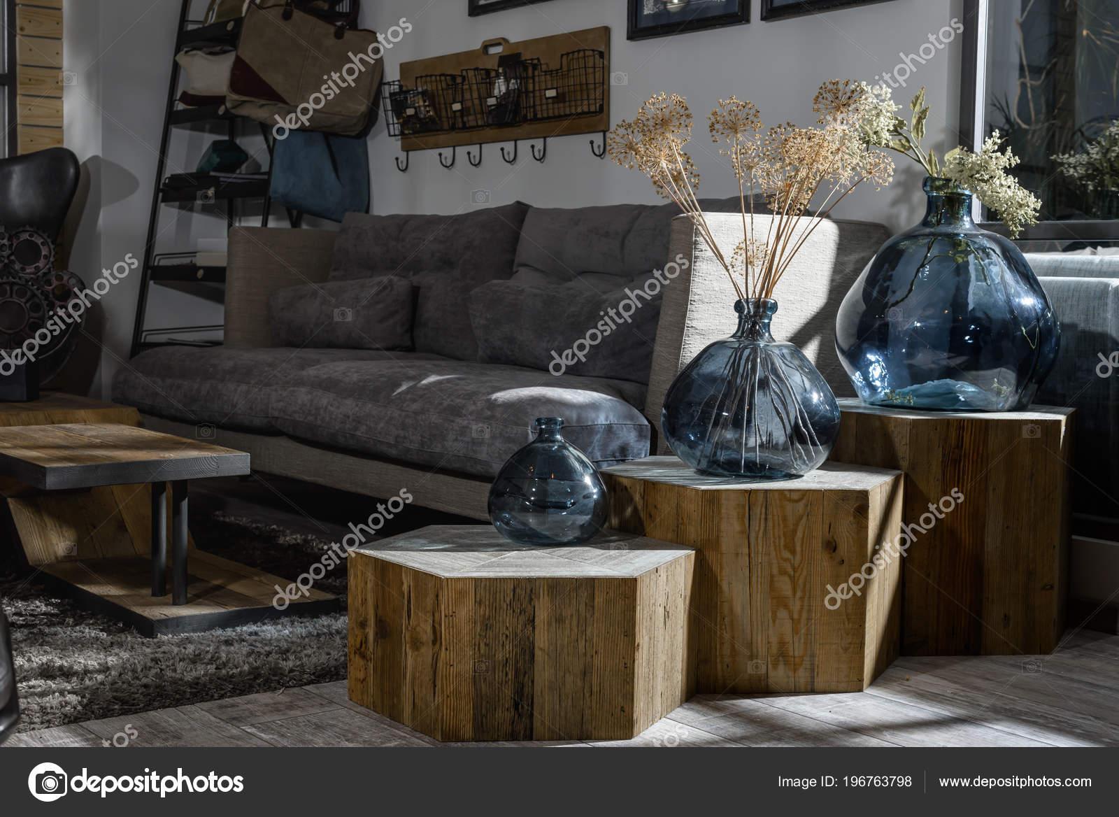 224fd1fc6d0f74 Interiores Retro Moderno Estilo Sala Estar Com Sofá Cinza Vasos ...
