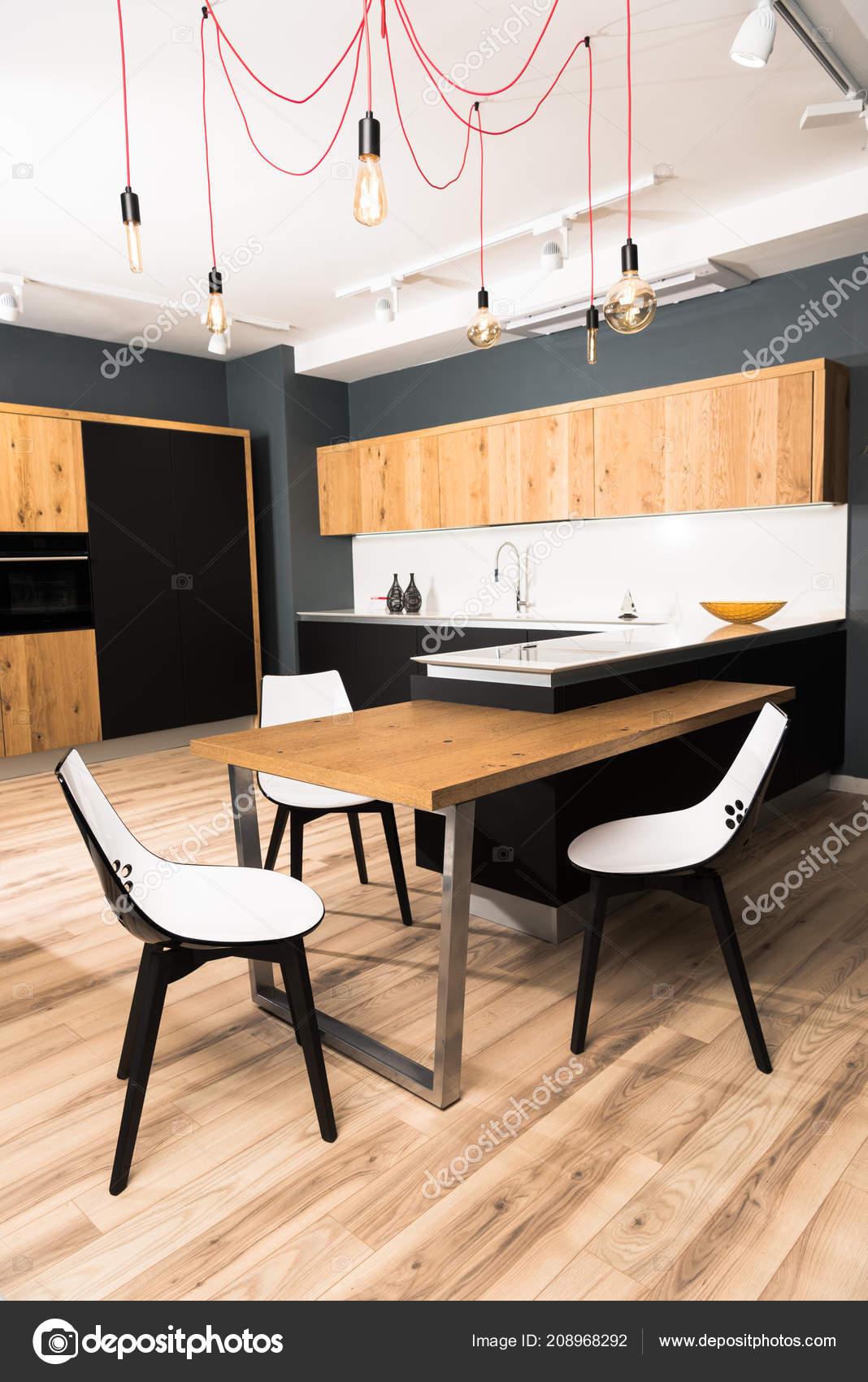 Intérieur Salle Manger Moderne Propre Lumineux Avec Table ...