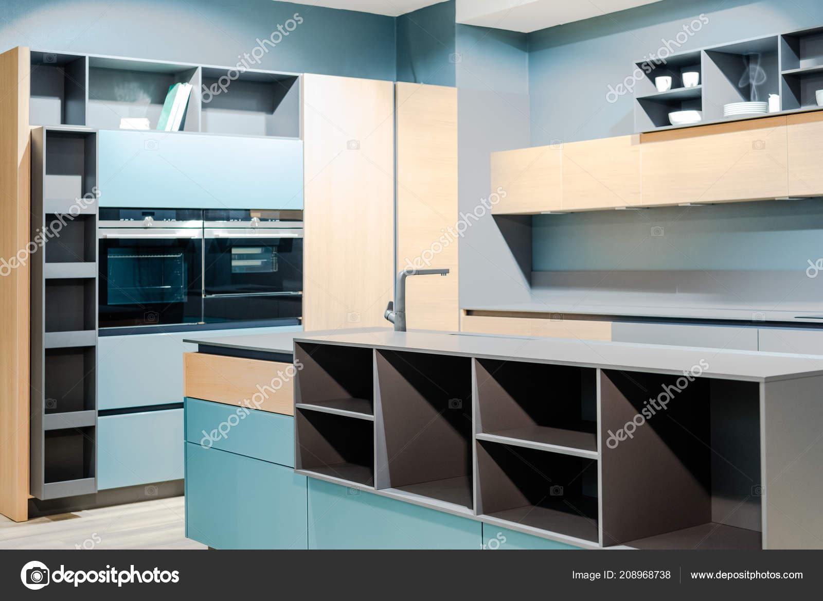 Mobili Contemporanei Cucina : Mobili cucina ed elettrodomestici gli indispensabili