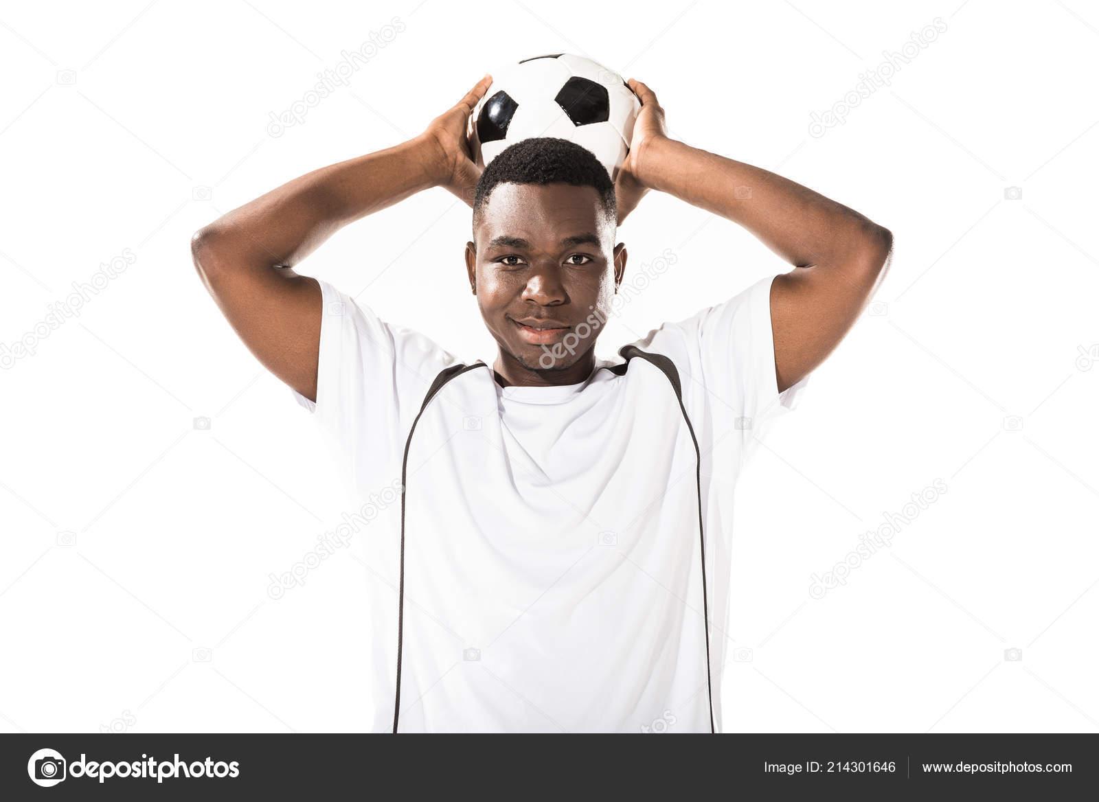 6edc7b09a Jogador Futebol Americano Africano Jovem Segurando Uma Bola Sobre Cabeça —  Fotografia de Stock