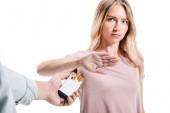 elutasító csomag cigarettát elszigetelt fehér ember, vonzó nő