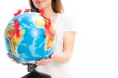 levágott kép nő a gazdaság világon elszigetelt fehér piros szalaggal, világ aids nap koncepció