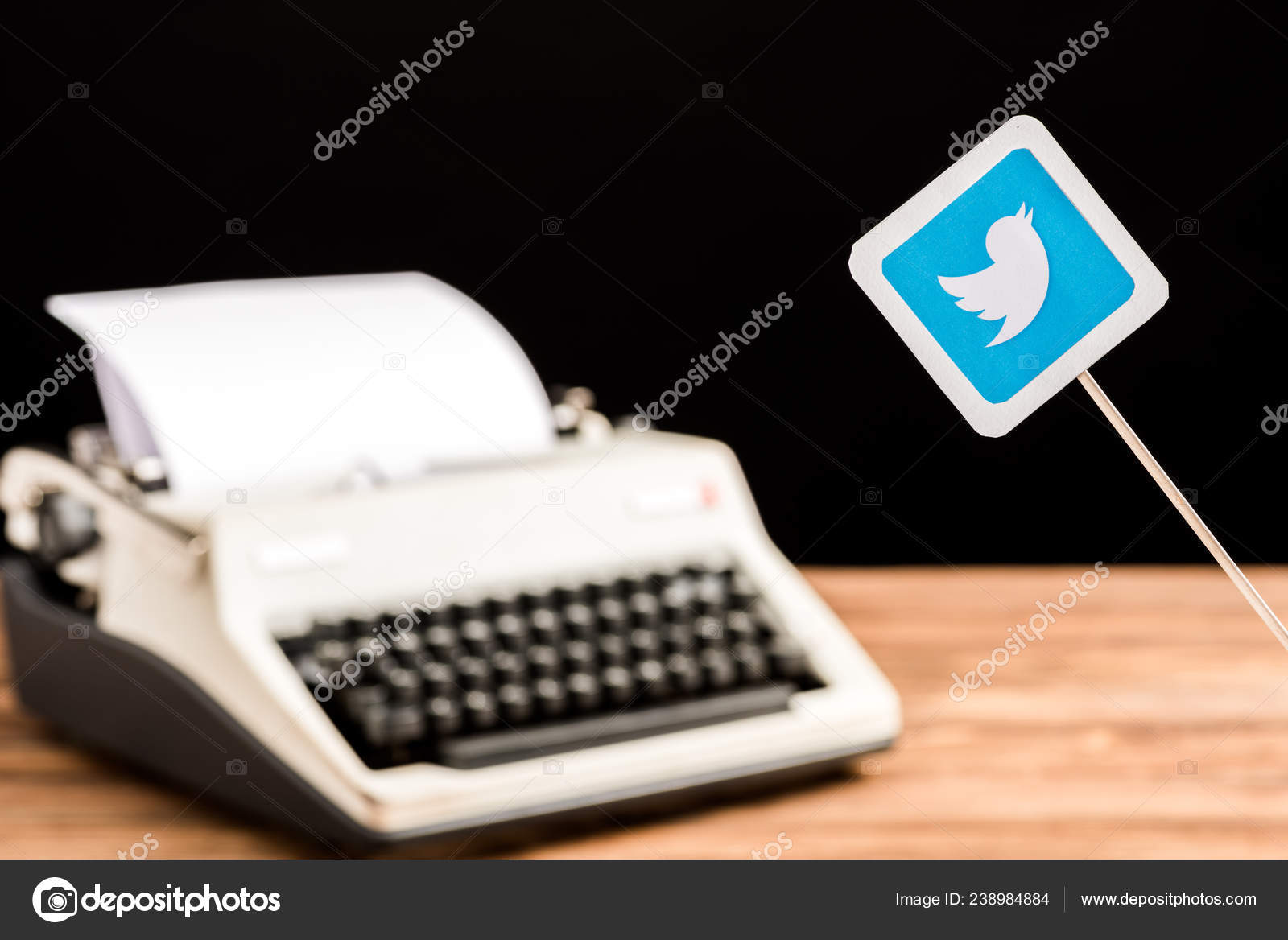 Background: for twitter | Selective Focus Twitter App Icon