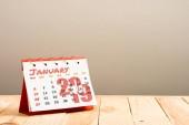 naptár január 2019 betűkkel elszigetelt a bézs másol hely