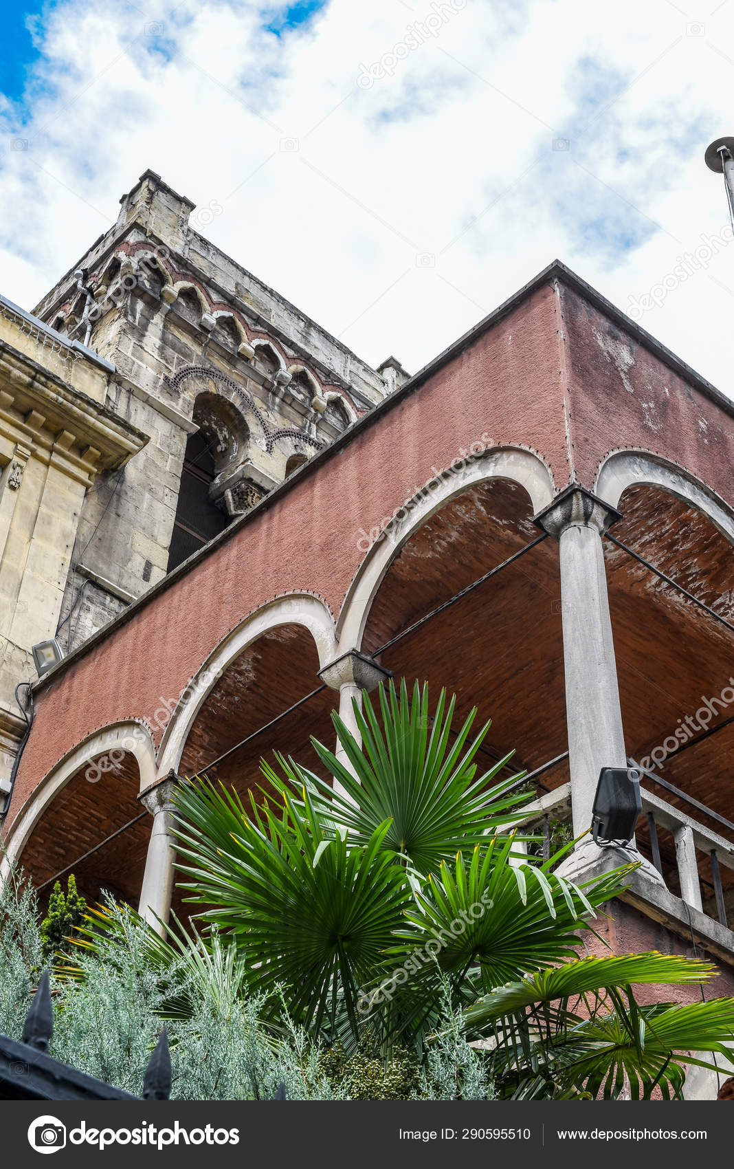 Exterior view of Church of Saint Benoit in Istanbul — Stock