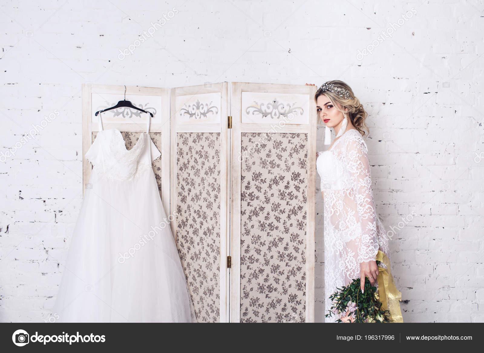Bride Dressed Peignoir Underwear Stands Shield Wedding Dress Holds