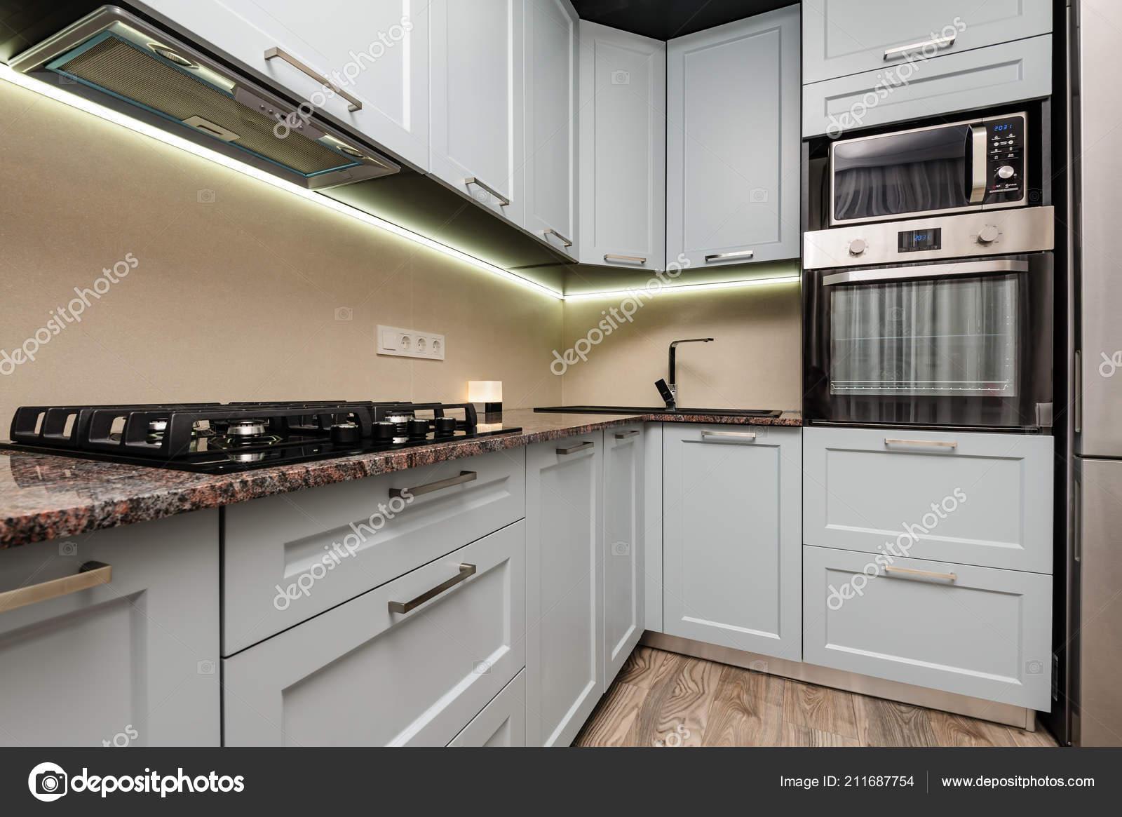 Moderne küche interieur u stockfoto starush