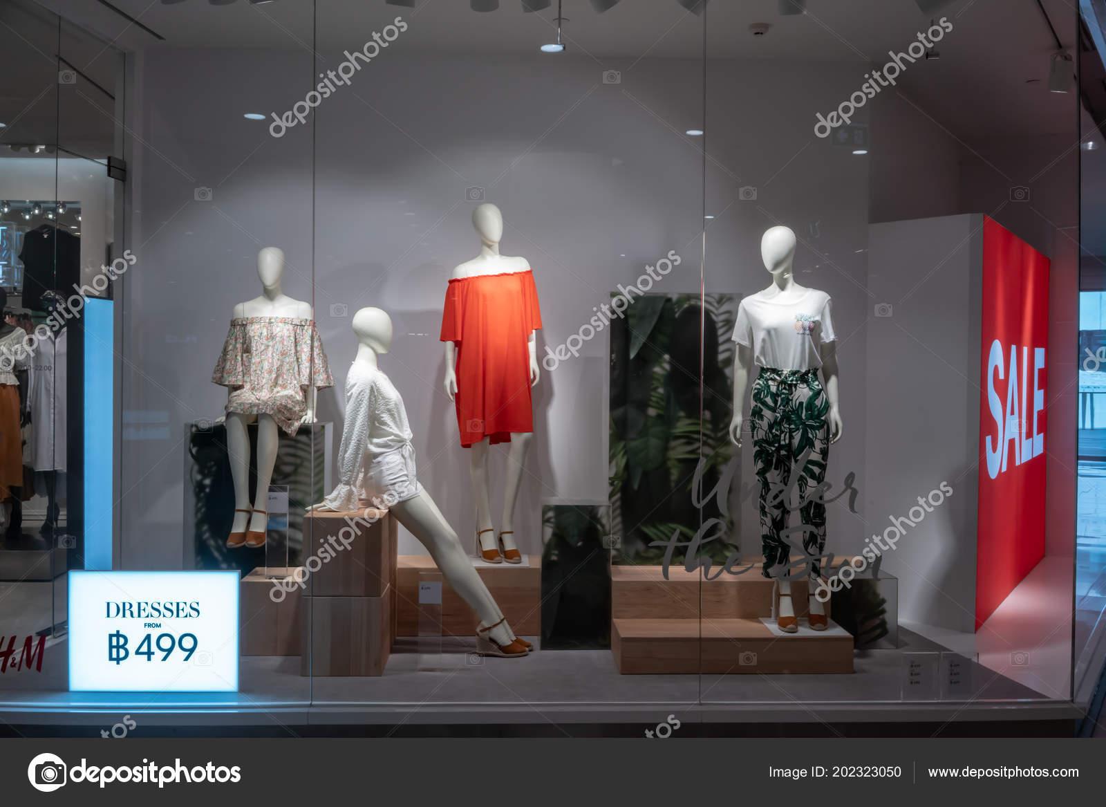 8788a87fc7d3a depositphotos_202323050-stock-photo-shop-emquatier-bangkok-thailand-jun.jpg