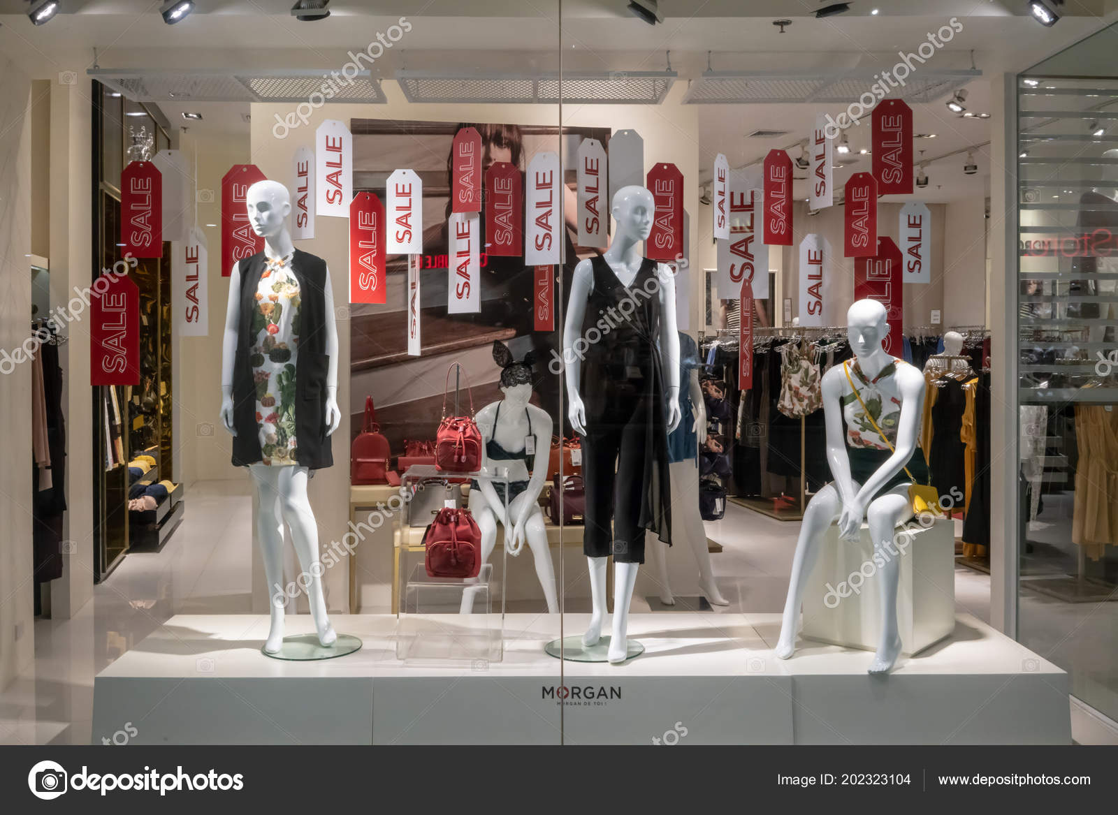 newest 49490 7fadb Morgan Shop Unter Emquatier Bangkok Thailand Juni 2018 Luxus ...