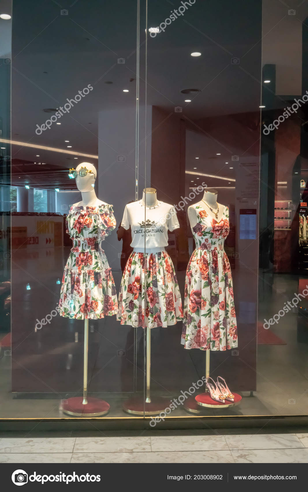 1381b67746812 ... Thailand, Jun 29, 2018 : Standing mannequins in casual flower dress at  the front window display of the luxury store.– Stock Editorial Photography