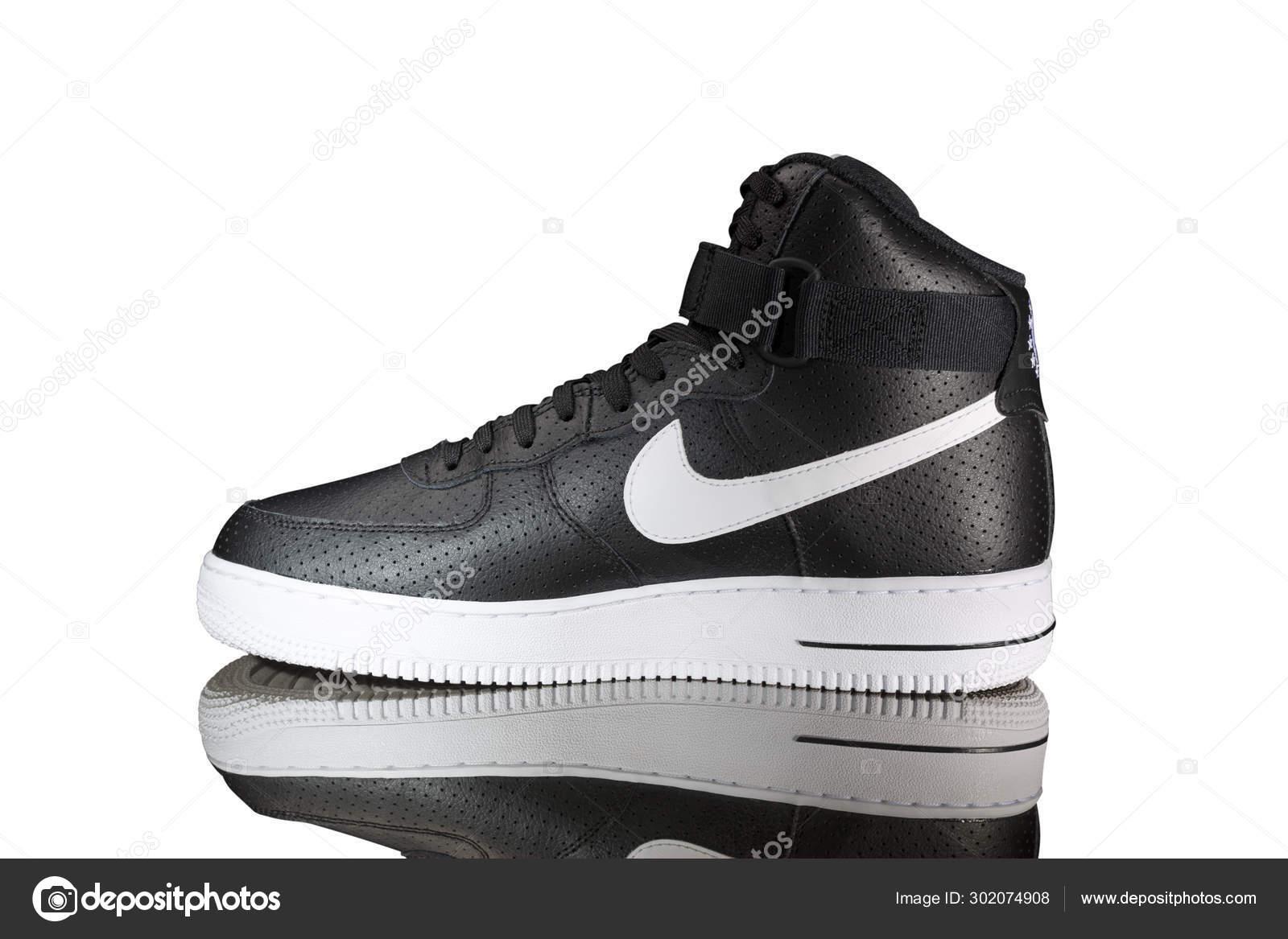 zapatillas nike negras piel