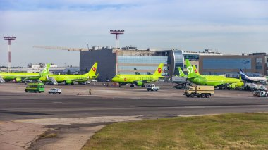 Moscow, Russia, on August 15, 2018. The plane undergoes preflight service in the international airport Domodedovo