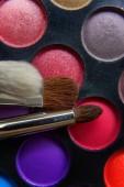 Fotografie Detail make-up štětce na oční stíny paleta