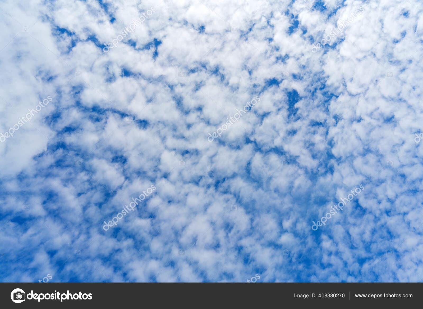 ふわふわの雲が美しい雲景 — ストック写真 © sandipruel #408380270