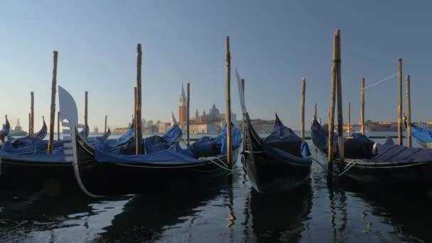 Velence víz jelenet gondolák kikötése, Olaszország