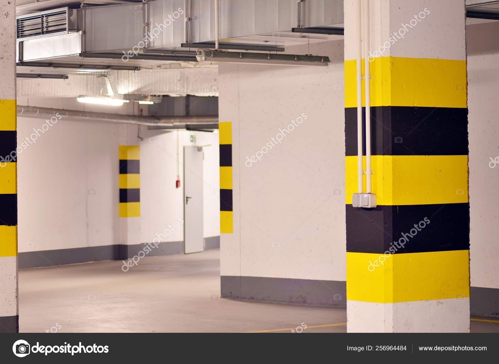Underground Parking Garage Modern Apartment Building — Stock ...
