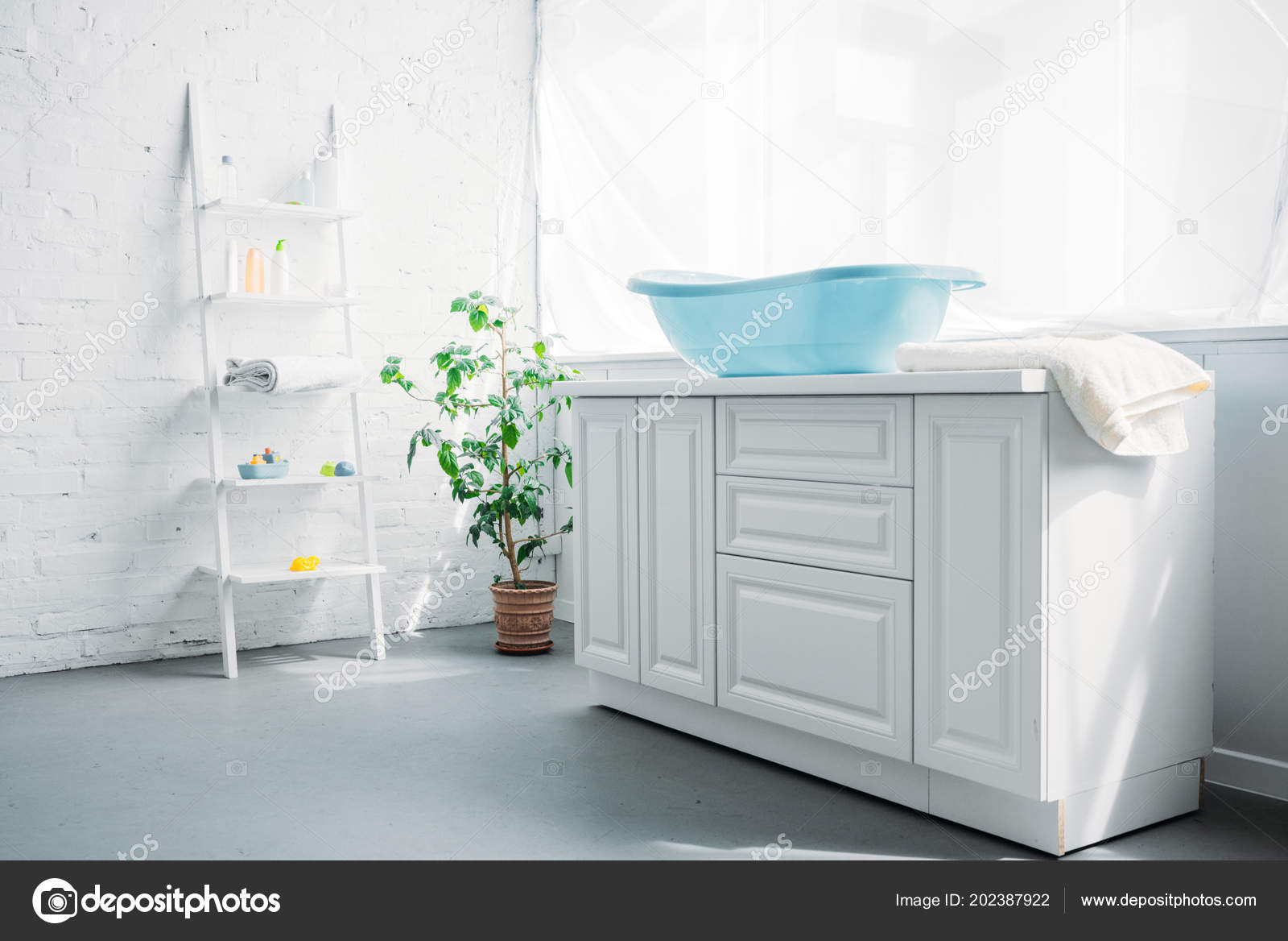 Blue Plastic Childrens Bathtub On Stand In White Modern Room U2014 Photo By  AndrewLozovyi