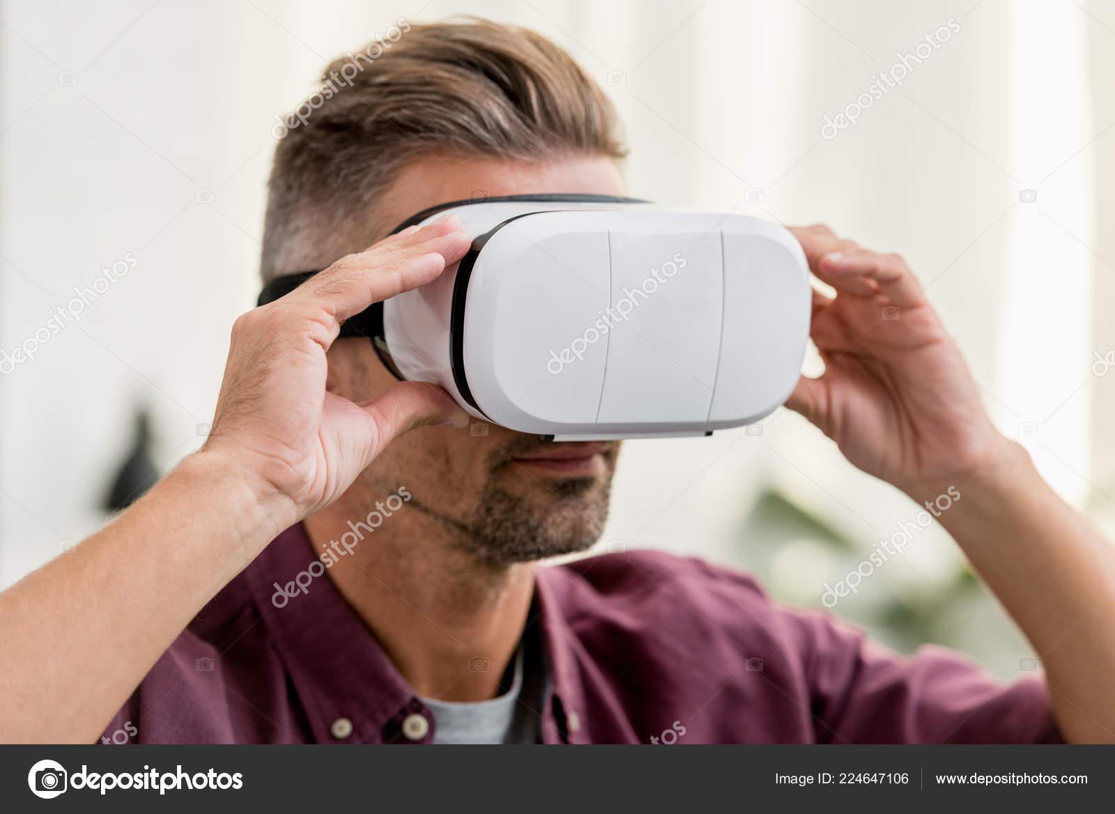 Close View Man Touching Virtual Reality Headset — Free Stock Photo ©  AndrewLozovyi #224647106