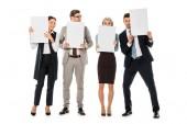 výkonný obchodní tým drží prázdné štítky izolované na bílém
