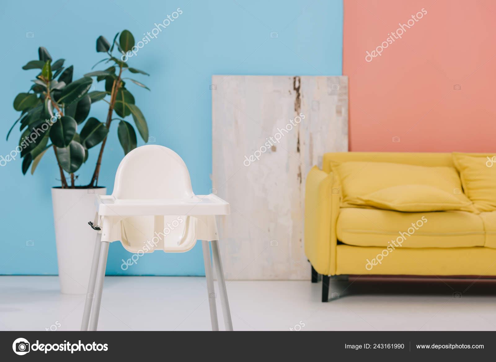 Pot Canapé Jaune Haute Chambre Avec Chaise Grand Ficus Fleur LjMSUzqVpG