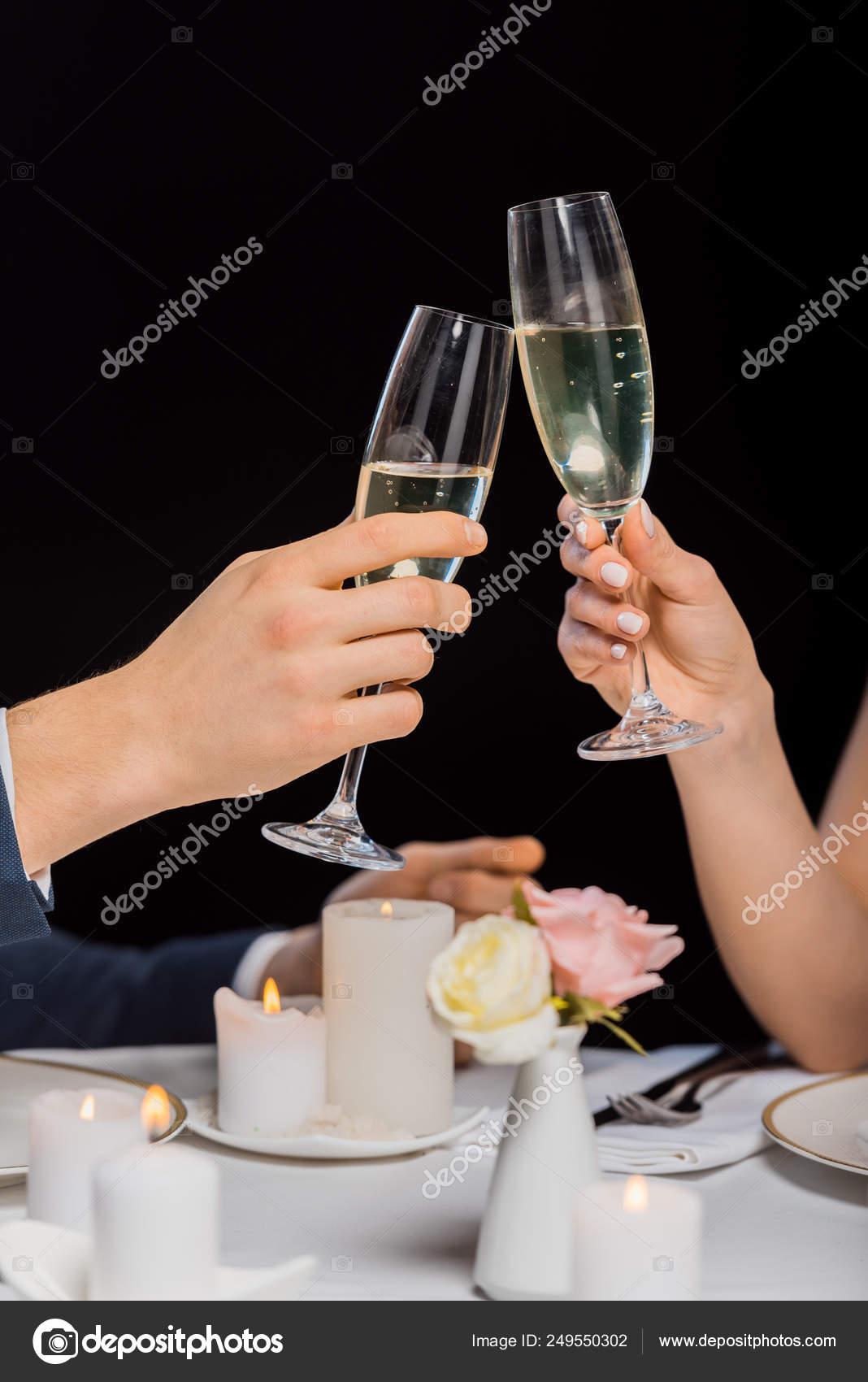 металлов как держать бокал с шампанским фото свою модельную карьеру
