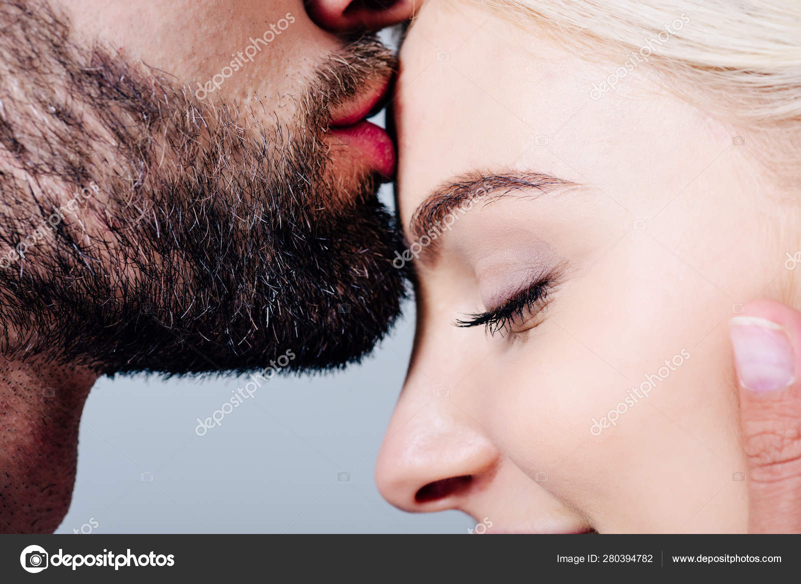 Stirn die küsse auf Das immense