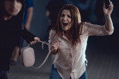 Fényképek tolvaj lopás táska-ból kiabálás asszony-ban aluljáró