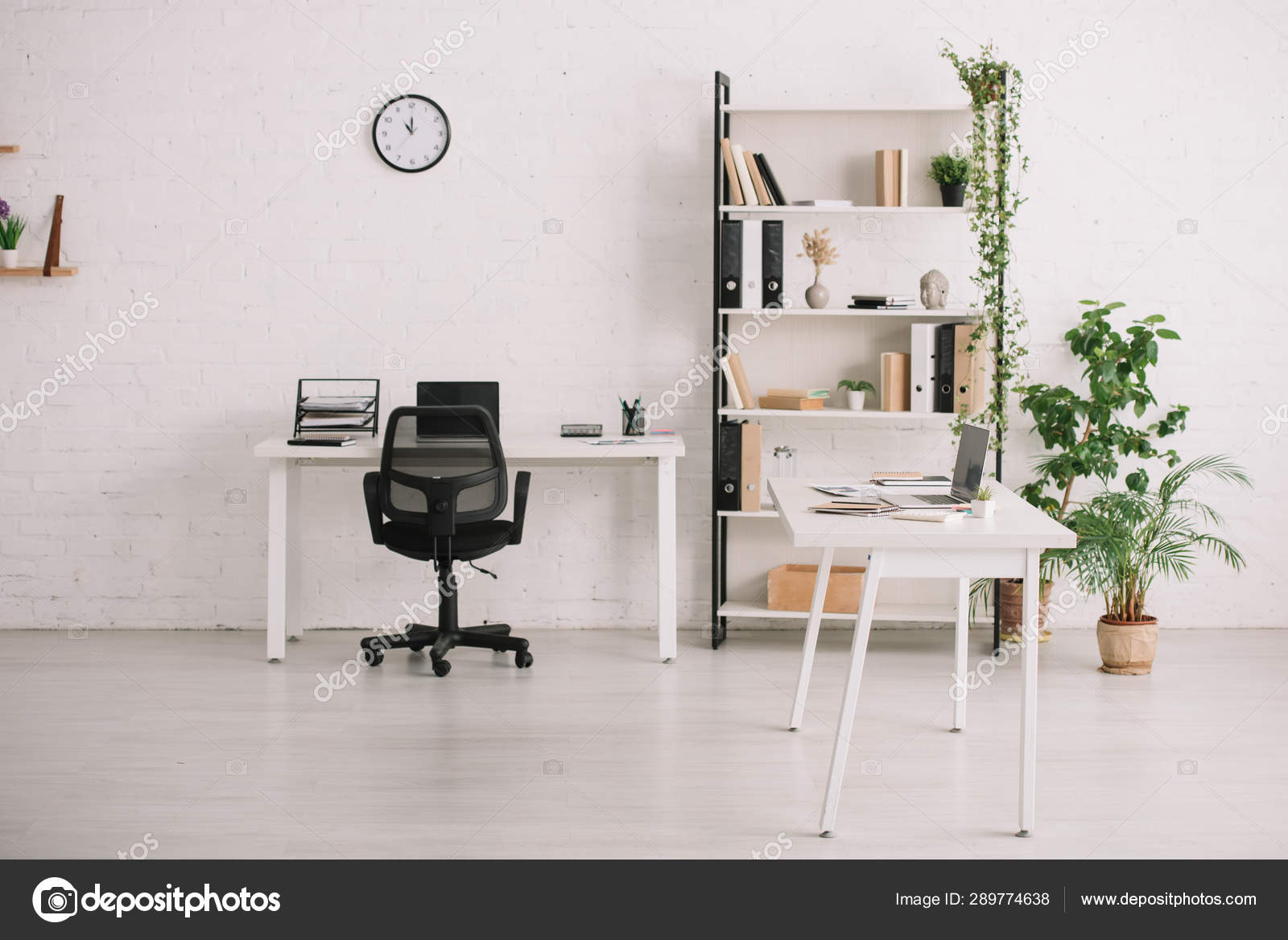 Fabulous Spacious Office Desks Rack Books Plants Flowerpots Clock Home Interior And Landscaping Eliaenasavecom