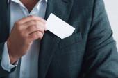 vágott kilátás az ember a hivatalos kopás tartó üres kártyát hivatalban