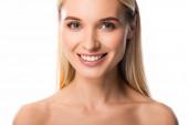 nahá usměvavá blondýnka s bílými zuby izolovanými na bílém