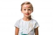 boldog gyermek arcfestés mosoly elszigetelt fehér