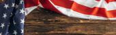 vízszintes kép az amerikai zászló csillagok és csíkok a fa felületen