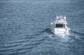 fehér hajó, vitorlás, kék-folyó