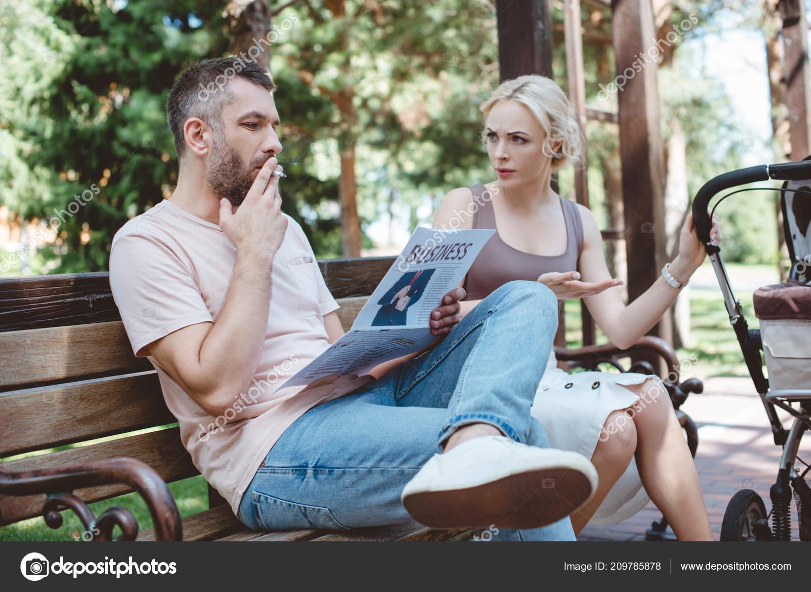 No pokud jsi začala kouřit až v průběhu vztahu a on sám nekouří, tak se mu nedivím, taky by mi to vadilo Já kouřila, když jsem poznala nynějšího manžela a v.
