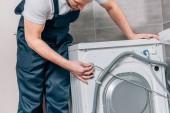 részleges kilátás nyílik a fürdőszobában mosógép javítás férfi ezermester